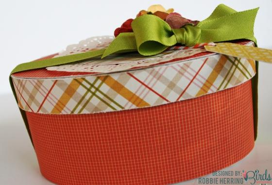 Gift Box by Robbie Herring for 3 Birds Design #3birdsdesign #middaymedley #giftbox